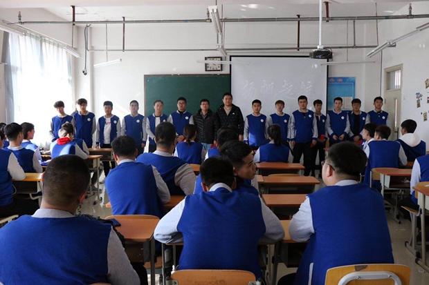 机械工程系举行海尔奖学金发放仪式